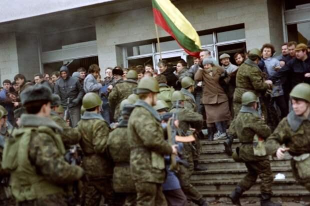 «Белая гвардия» красной империи: Рижский ОМОН против первой «цветной революции» в СССР