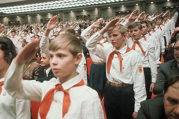 Как повзрослевшее поколение пионеров сгубило СССР