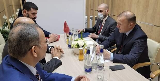 Глава Адыгеи провел переговоры с делегацией Бахрейна