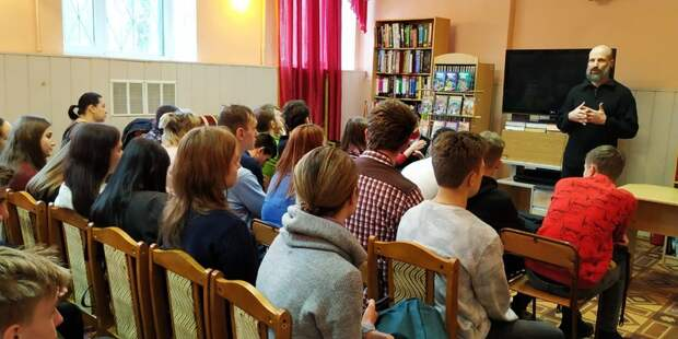 Писатель Дмитрий Емец на встрече с читателями. Фото: Mos.ru