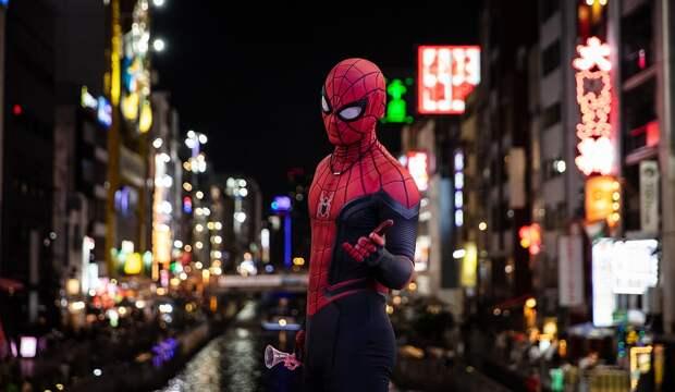 «Человек-паук» надоел пассажирам метро – о чем пишут районные СМИ