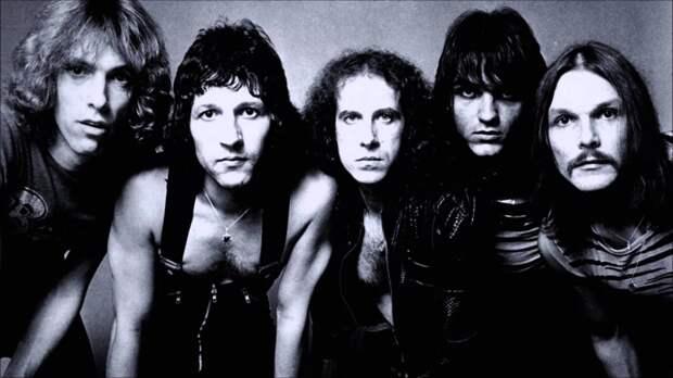 """Легендарные «Scorpions» и композиция """"Wind of Change""""… Давайте послушаем эту всеми любимую песню перемен…"""