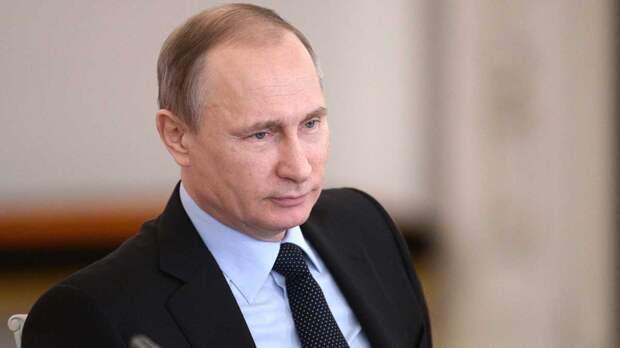 Путин не поздравил с Днем Победы президентов Украины и Грузии