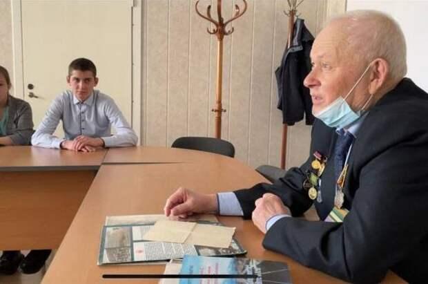 Студенты иркутского колледжа встретились с кавалером ордена Трудовой славы