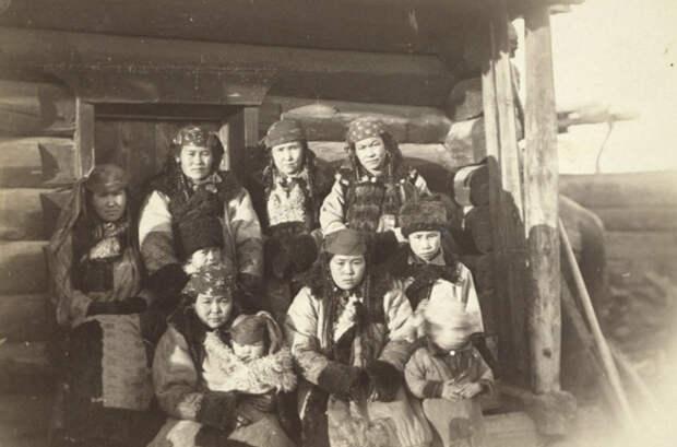 Татарские женщины с детьми © Библиотека Конгресса США путешественник, россия
