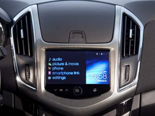 Видеообзор навигации в системе MyLink от Chevrolet