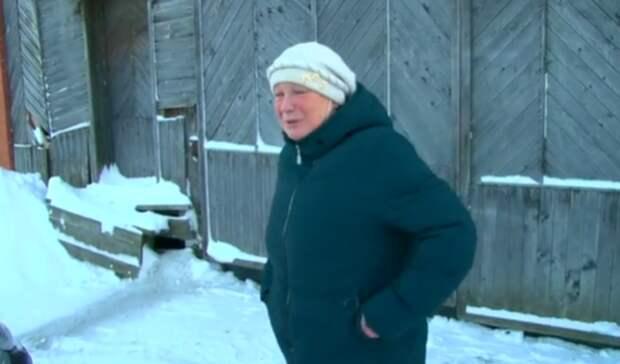 Первоуралец выгнал издома маму и86-летнюю бабушку