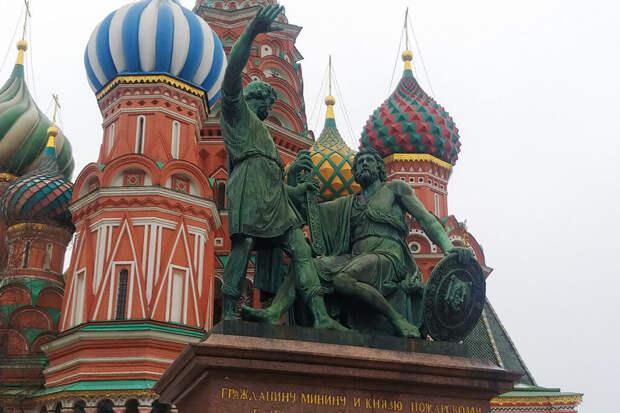 Памятник Минину и Пожарскому на Красной площади демонтируют в начале декабря