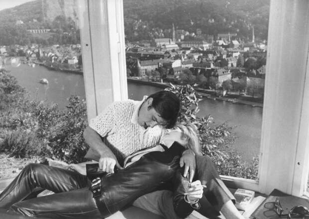 Марианна Фейтфулл и Ален Делон. Фото / Marianne Faithfull and Alain Delon photo