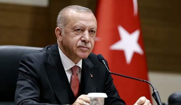 Турция начнет постепенно снимать ковидные ограничения с 17 мая