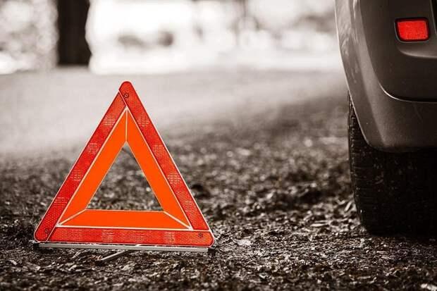 ДТП в ЮВАО: на 8-й улице Текстильщиков девушку сбил микроавтобус