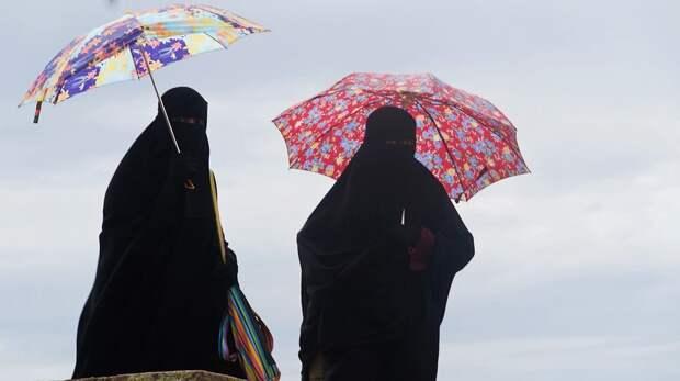 Талибы заставили женщин носить никабы при посещении университетов