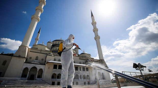 В Турции зарегистрировали новый рекорд суточной смертности от COVID