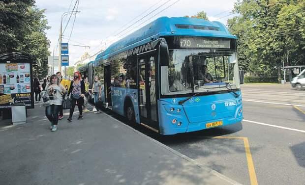 """По сравнению с троллейбусами автобусы более манёвренны/ """"Москва. Северо-Запад"""""""