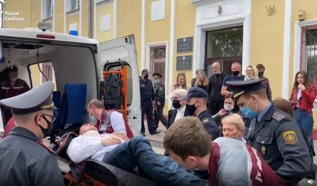 Белорусский оппозиционер пытался покончить с собой на заседании суда
