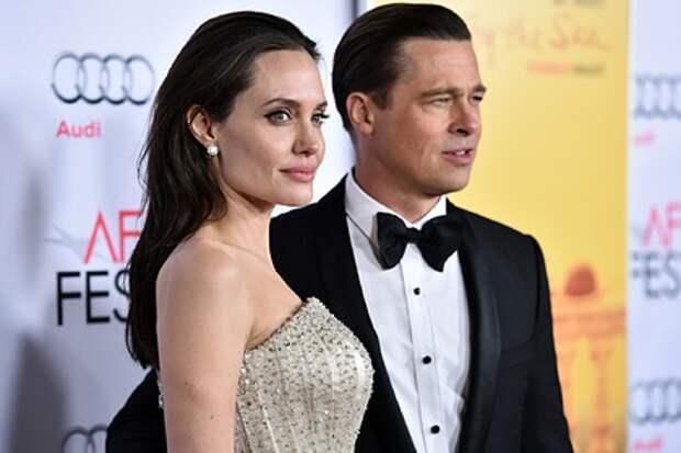 Брэд Питт обвинил Джоли в заговоре и подал на нее в суд