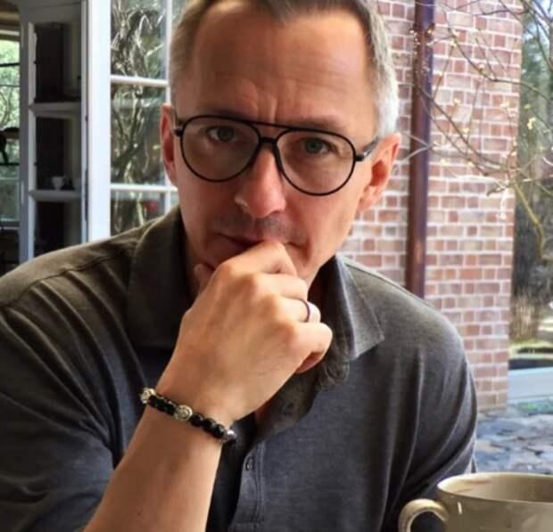 """""""Сколько предательства и грязи разгребает он в эти дни"""": Степан Михалков вступился за отца"""