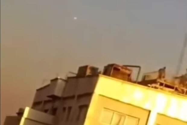 Хитом интернета стало видео расстрела НЛО военными в Иране