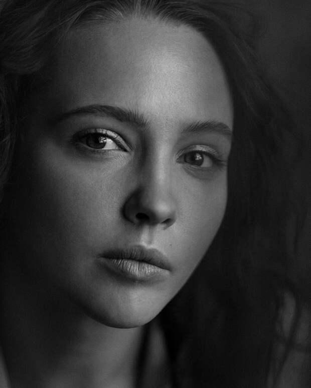 «Лично я за брак»: Юлия Хлынина о важности материальной стороны супружеских отношений