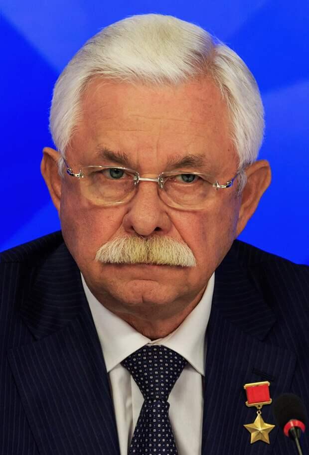 Руцкой рассказал о роли иностранцев в развале СССР