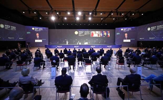 «Северный поток ― 2», инвестиции и субсидии: главные итоги второго дня ПМЭФ-2021