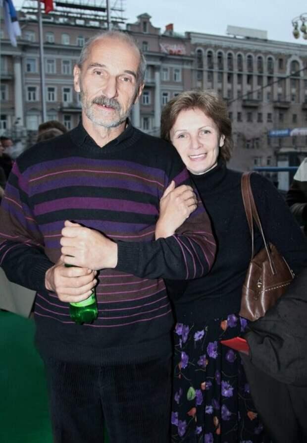 Пост памяти Петра Мамонова: Как жена культового музыканта и актёра несколько раз спасла ему жизнь