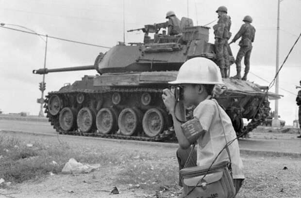 История самого молодого фотожурналиста Вьетнама — 12-летнего Ло МаньХунга