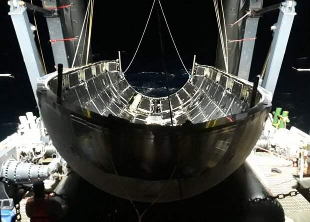 SpaceX повторно использует головной обтекатель Falcon Heavy
