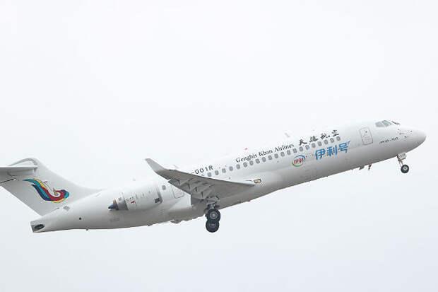 Китайский самолет ARJ21 проверили в высокогорье