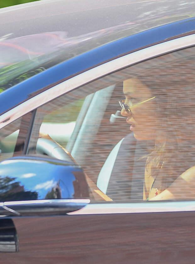 Ирина Шейк и ее дочь Лея сходили на ланч после встречи с Брэдли Купером