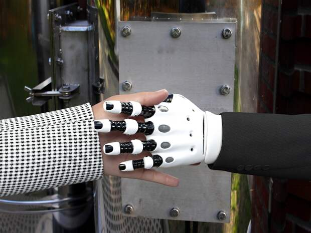 Эффекты пандемии 2020 для России:меньше социальных контактов -больше роботов?
