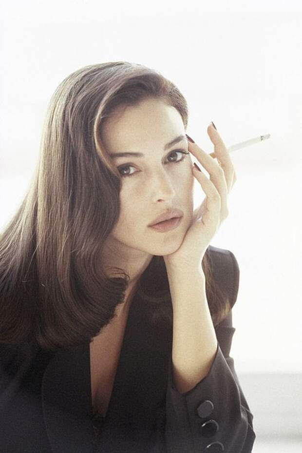 Неувядающая импозантная красота Моники Беллуччи.