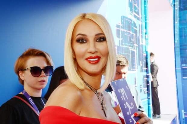 Лера Кудрявцева пожаловалась на головные боли и усталось после перенесённого коронавируса