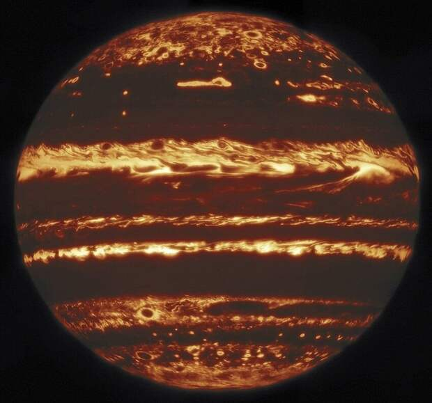 Изображение Юпитера, сделанное в инфракрасном диапазоне