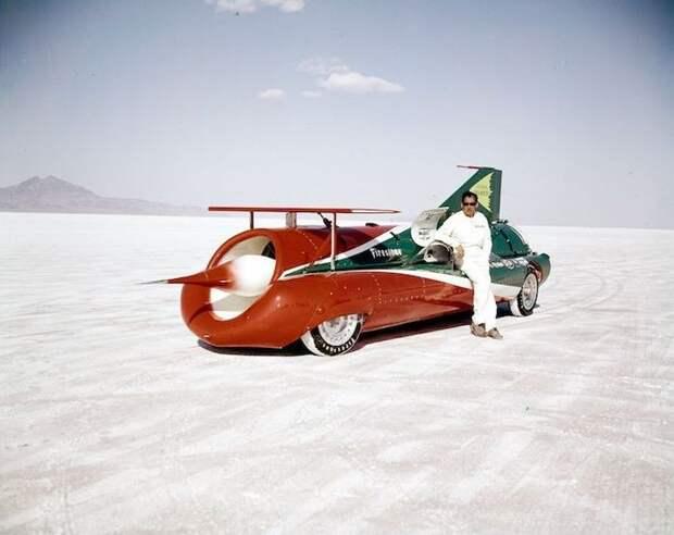 На древнее озеро стали съезжаться гонщики, чтобы поставить очередной скоростной рекорд Озеро Бонневилль, авто, бонневилль
