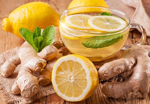 Такой напиток не только охлаждает и тонизирует, но и выводит из организма шлаки и токсины, а заодно налаживает обмен веществ