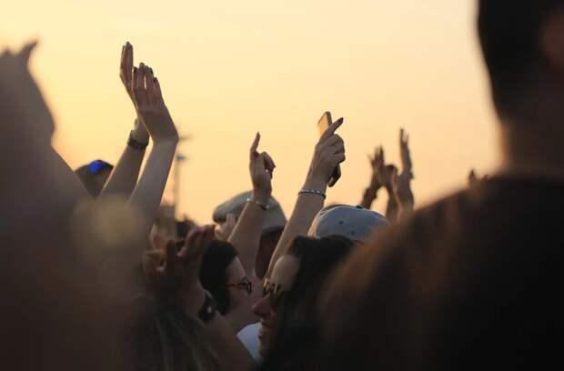 Россию на «Евровидении-2020» представит панк-рейв группа Little Big
