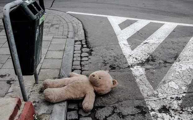 Маленькая девочка погибла под колёсами автомобиля в Торжке