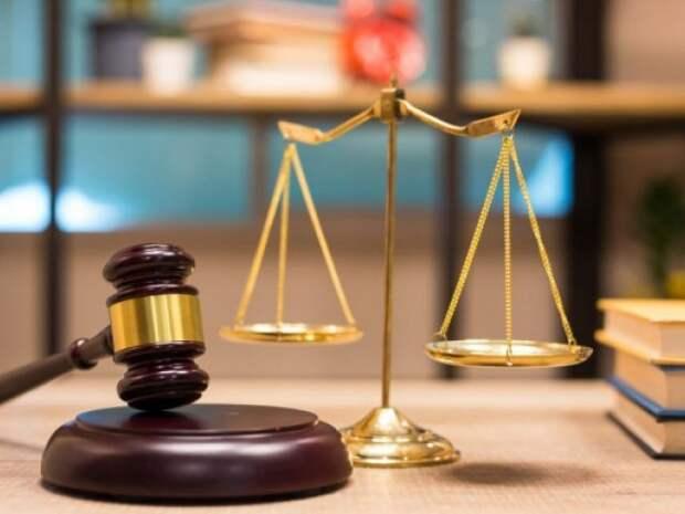 Купивший на взятку IPhone Pro чиновник пытался через суд вернуться на работу в Павлодаре