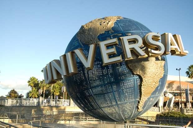 Сеть кинотеатров AMC отказалась показывать фильмы Universal