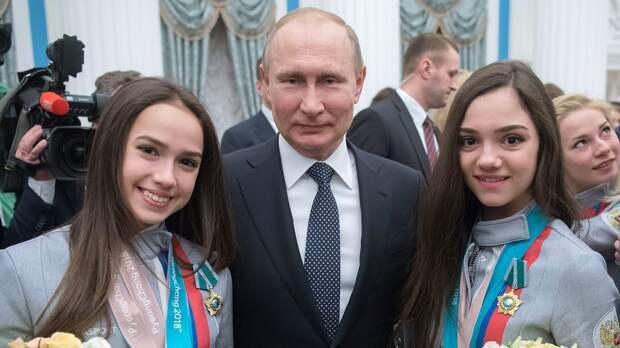 Загитова за Путина, Медведева просто вернулась в Россию, Коляда сменил тренера. Главное из фигурки