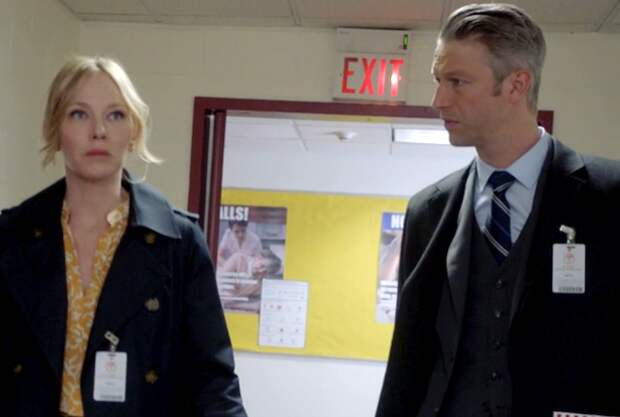 Law & Order: SVU's Carisi and Rollins Are Dating! (Or At Least, That's What Her Dad Thinks) —Watch Video