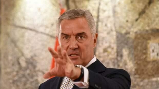 Джуканович: «Черногорией правит экспертная служба квазицеркви государства Сербия»