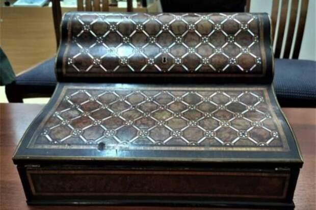 Ставропольский музей купил на аукционе старинное бюро известного краеведа