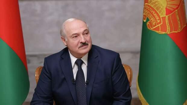 Лукашенко посоветовал Зеленскому учиться дипломатии