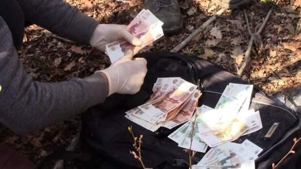 Трое севастопольцев задержаны за сбыт поддельных купюр
