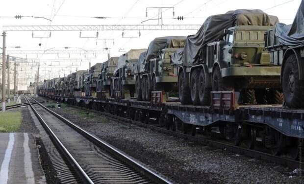 Под Краснодаром на пути в Крым замечен эшелон с боевой техникой