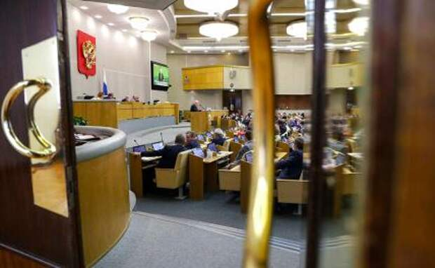 Раскрыта тайна российских чиновников: Элиты отстают в развитии от народа?