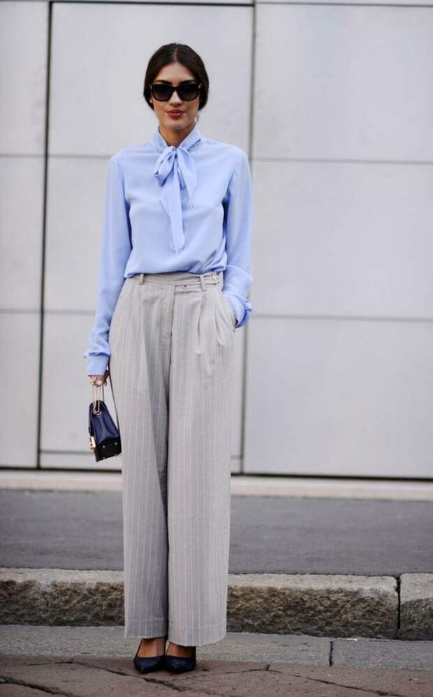 Как носить блузки с брюками? Примеры сочетаний