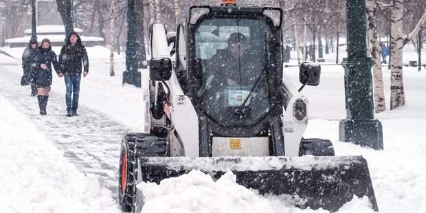 Местные жители недовольны уборкой снега в Отрадном
